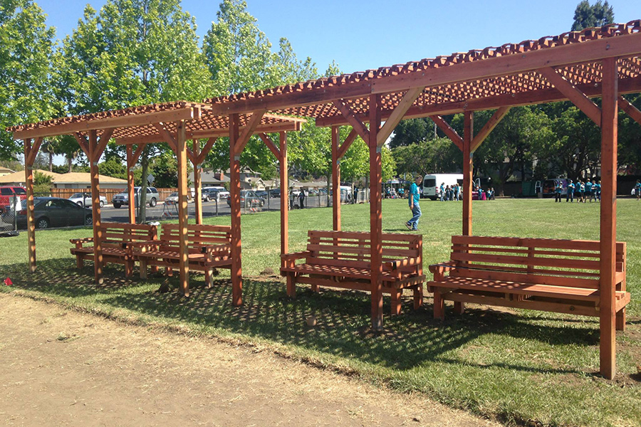 Shade structure mendocino benches